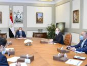 """الرئيس المصري/عبد الفتاح السيسي يستقبل السيد هنري بوبار لافارج، رئيس مجموعة """"ألستوم"""" الفرنسية، وذلك بحضور رئيس مجلس الوزراء، ووزير النقل."""