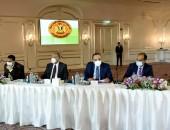 رئيس الوزراء يلتقى رؤساء اللجان النوعية بمجلس النواب مدبولي: المشروع القومي لتطوير القرى المصرية كان حلما كبيرا أمام الدولة تسعى لتحقيقه على أرض الواقع
