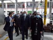 """رئيس الوزراء يتفقد المصنع الإقليمي لشركة """"شنايدر إليكتريك"""" بمدينة بدر"""