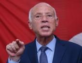 تونس: قيس سعيد يجمد سلطات مجلس النواب ويعفي المشيشي من منصبه على خلفية الاحتجاجات العنيفة